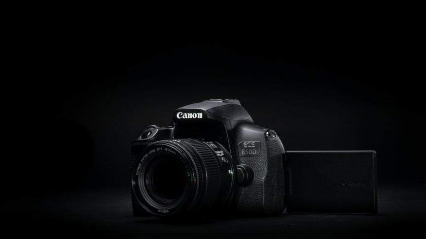 Ensiesittelyssä kevyt Canon EOS 850D -järjestelmäkamera, joka tarjoaa kuvaamiseen helppoutta, monipuolisuutta ja laajennettavuutta