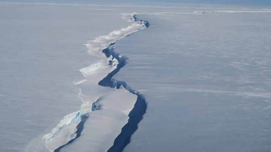Chasm 1 in the Brunt Ice Shelf (credit: Jan De Rydt)