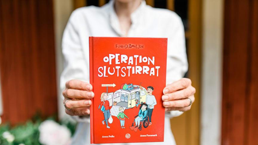 Bok skickas ut till skolor över hela landet för att uppmärksamma funktionsnedsättningar