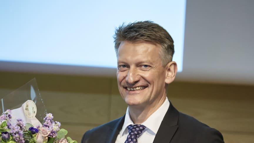 Den danske polymerpris – ATV   Elastyrenprisen 2018 blev på ATV's årsmøde overrakt til professor ved AU Kurt Gothelf.