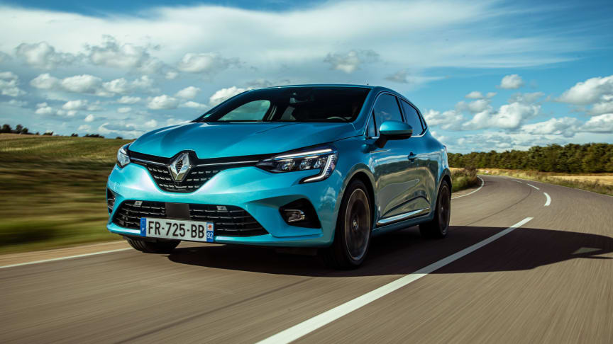 Det er nu man skal sikre sig et eksemplar af den velkørende Renault Clio hybrid. Den 18. december stiger den med over 20.000 kr.