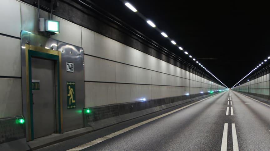 Bilderna är tagna under en tunnelavstängning.