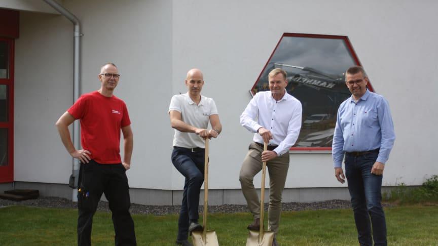 Från vänster: Marcus Wahlgren, Fastighetsansvarig, Mats Jeppsson, Innovation Manager, Ulf Nicklasson, VD Emballator Plastics & Innovations, Håkan Larsson, VD Emballator Lagan Plast.