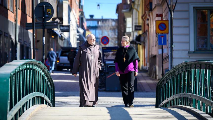 Kardinal Arborelius och biskop Karin Johannesson bjuder åter in till digitala stilla dagar  Foto: Magnus Aronson