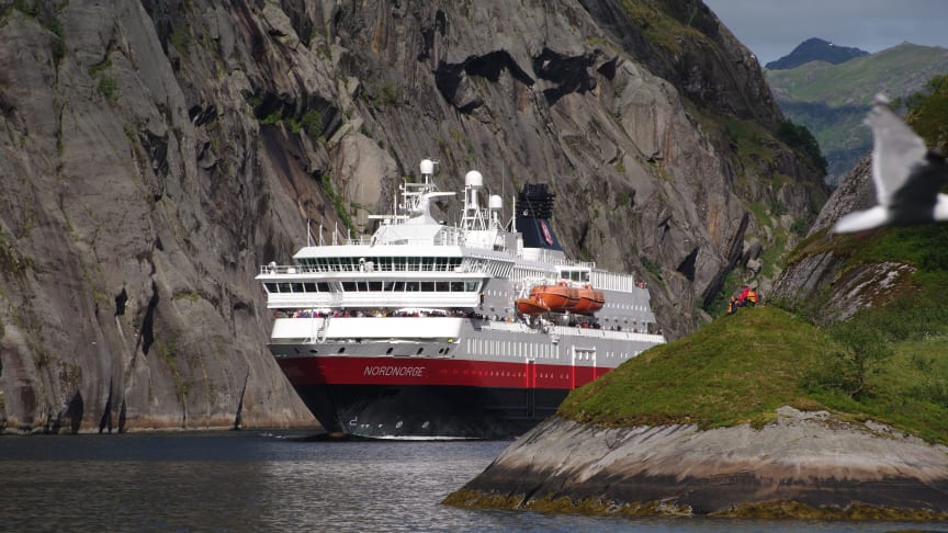 POWERED BY NATURE: MS Nordnorge is one of at least six Hurtigruten ships to be converted to run on battery-LNG-biogas hybrid propulsion, powered by clean electricity and dead fish. Photo: ULF HANSSON/Hurtigruten
