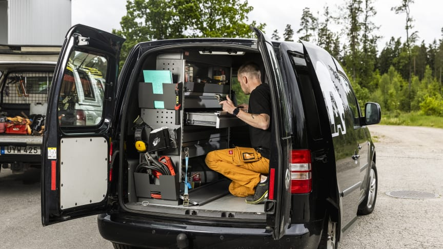 Prisvärd universal lösning för den som vill inreda skåpbilen utan skyhög nota