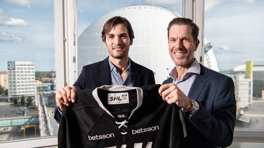 Fredrik Axling, Sponsorships & Partnerships Manager på Betsson och Michael Marchal, VD för SHL.