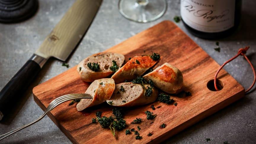 Kräggas falukorv har en kötthalt på 98 % och innehåller inga tillsatser.
