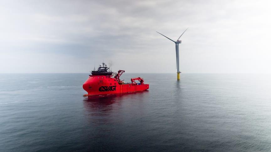 ESVAGT udforsker muligheden for at fragte værktøj fra skib til havvindmølle med drone.