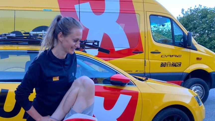 """Merete Weng behandler Andreas Leknessund i """"Uno X Pro Cykling Team"""""""