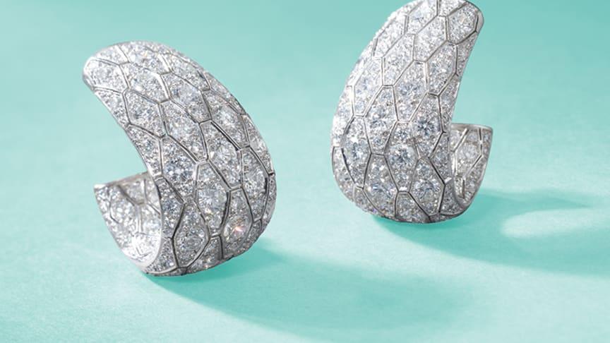 Auktionsnummer 158 - Örhängen från Cartier med 14 ct diamanter.