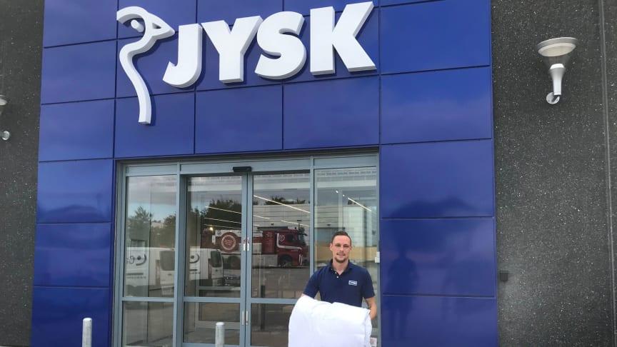 Martin Dahl Andersen, butikschef i JYSK Kokkedal, er klar til åbningen den 7. september.