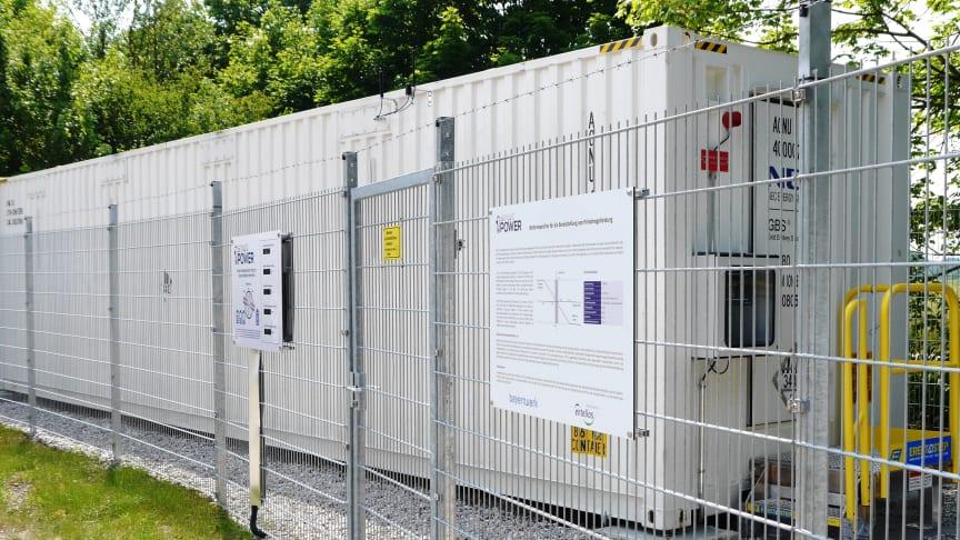 Seit Mittwoch (21. Juni) hilft Bayerns erster Regelenergiespeicher in Garching bei München (Oberbayern), Schwankungen im europäischen Stromnetz auszugleichen.