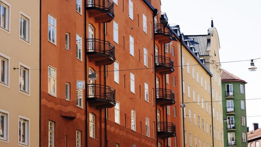 Vasastan i Stockholm är landets dyraste stadsdel, med ett kvadratmeterpris på hela 92 809 kronor. Sett över den senaste femårsperioden står dock Göteborgsstadsdelen Angered för den största prisökning med en uppgången på hela 161 procent.