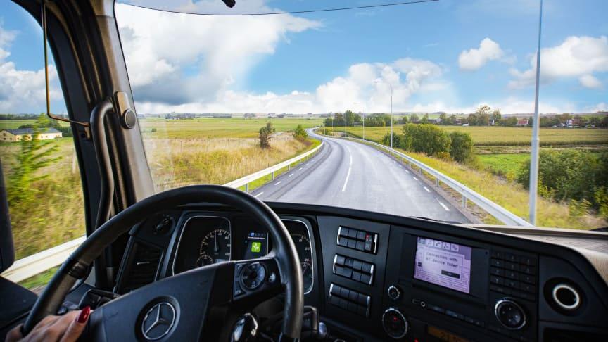 SydLog kör alla transporter från våra odlare till våra kunder.