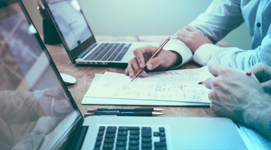 5 grunner til å outsource lønn