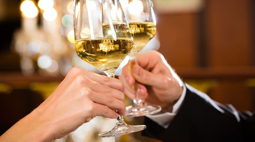Arvid Nordquist inleder samarbete med MRG Wines – med vision att förändra synen på alkoholkonsumtion och förändra dryckeskulturen