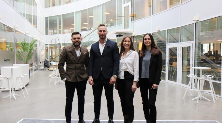 Sebastian Uramek (till vänster), från Sigma IT Tech i Stockholm, tillsammans med kollegorna Ossian Ripke Johansson, Alva Hellberg och Alina Pavlenko.