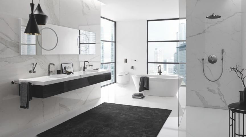 Komplet badeværelse med armaturer, brusesystem og accessories i farven bruched Hard Graphite.