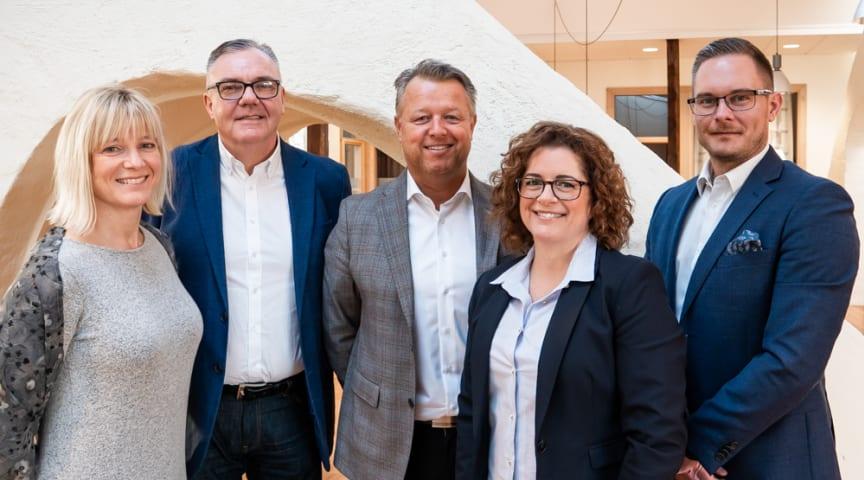 – I Skövde kan vi möta lokala kunder och kandidater med mycket professionella rekryteringskonsulter, säger Susanne Hjälmered (till vänster), därefter Stefan Larsson, Magnus Fagerberg, Petra Sivefäldt och Thomas Gustavsson.