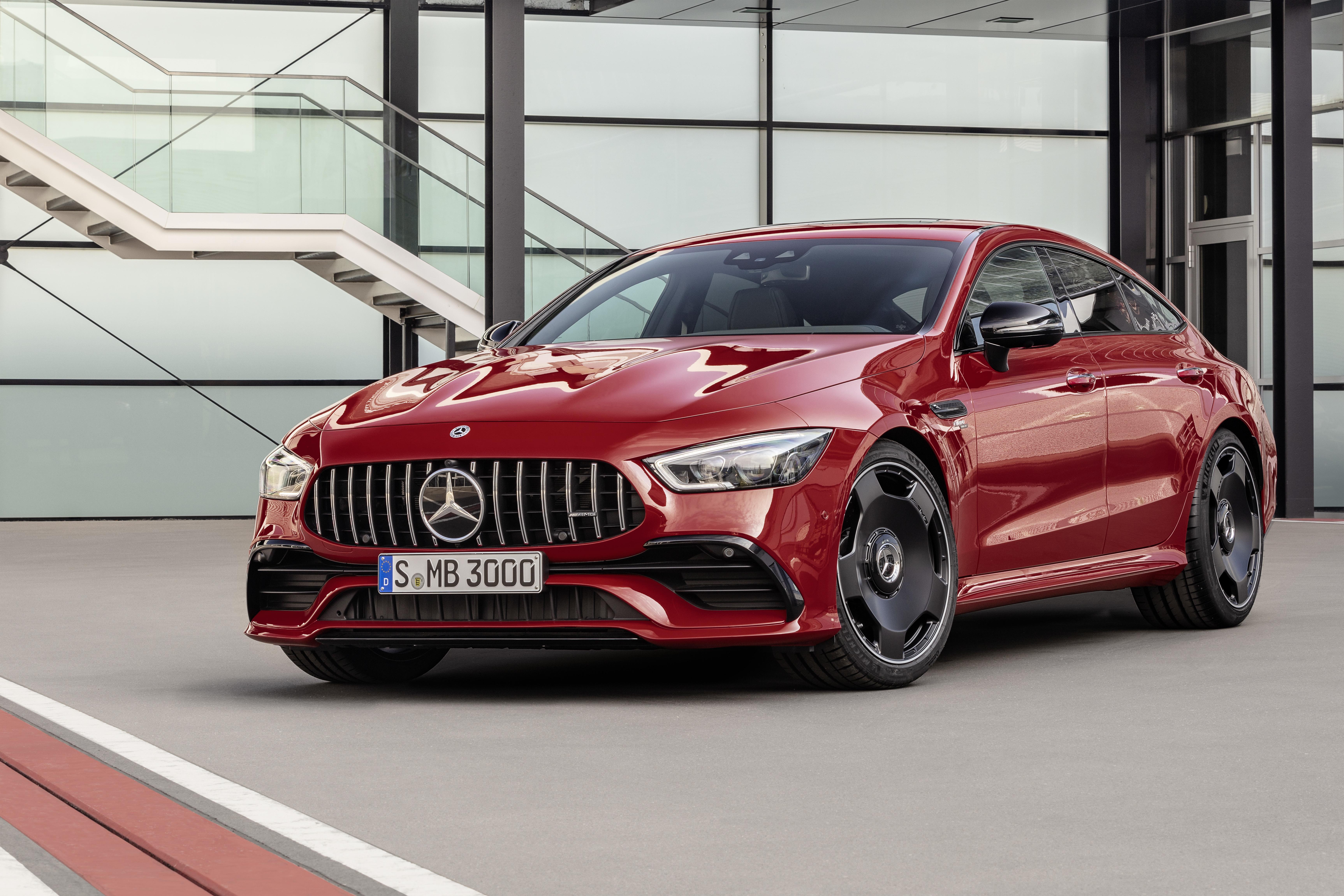 Svenska priser för A-Klass Sedan och 4-dörrars AMG GT