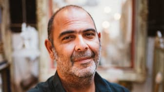Kulturpreis Bayern 2021: Kunstminister Bernd Sibler verleiht Hannes Ringlstetter Sonderpreis des Bayerischen Kunstministeriums