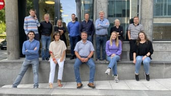 Miljørådgiver i Insenti, Randi Lunke (t.h) og kompetanseansvarlig i Grønn Byggallianse, Anne Solgaard (andre fra venstre) gleder seg til de første prosjektlederkursene 2. november og 9. desember 2021.