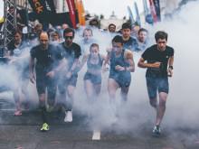 Die Läufer starteten in atemberaubender Atmosphäre auf der Ludwigstraße.
