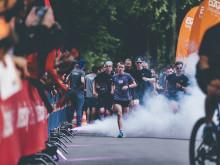 In diesem Jahr stehen die Läufer noch mehr im Mittelpunkt. Pacemaker und Fans feuern an.