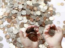 Average UK Household Savings Fall