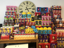 Met officers deliver over 1,400 Easter eggs to children in hospitals across London