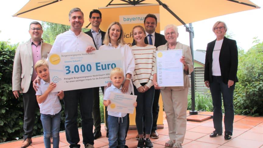 Ein Jahr lang hat Thomas Frisch aus Regen das elterliche Doppelhaus aufwendig energetisch saniert und wird nun mit dem Bürgerenergiepreis Niederbayern ausgezeichnet.