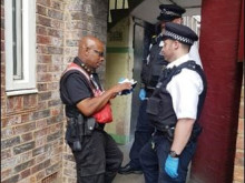 ​Met officers working with community wardens to keep Southwark citizens safe