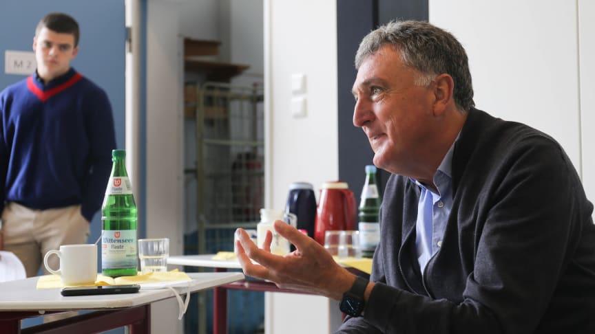 Medienbildung in Louisenlund – ZDF-Journalist Hermann Bernd im Dialog mit unseren Schülerinnen und Schülern