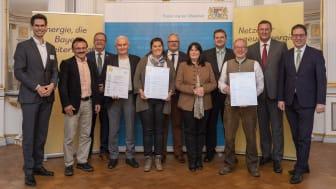 BEP Oberpfalz 2021_Preisverliehung_Gruppe mit Urkunden_0051