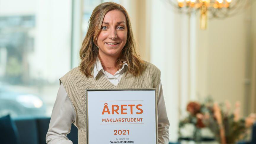 Josephine Lundmark är Årets Mäklarstudent 2021 - Fotograf: Christian Ekstrand