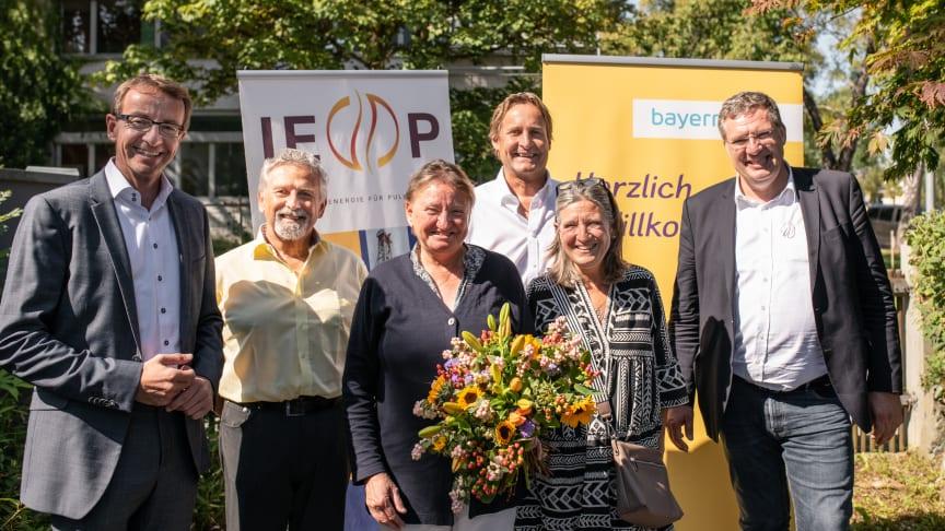Ökologisch, regional, sozial: Der Start des Regionalen Strommarkts in Pullach ist am Mittwoch von den Vertretern der Gemeinde, des Isartaler Tischs e.V., der IEP sowie des Bayernwerks gefeiert worden.