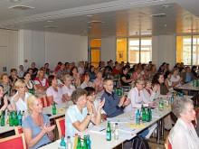 Pflegeheimleitende Frankfurts führen kommunalen Dialog mit Behörden und Politik