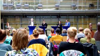 Prof. Dr. Harald Künemund (Uni Vechta), Dr.in Laura Naegele (Uni Vechta), Prof.in Dr.in Claudia Vogel  (Hochschule Neubrandenburg) und Prof. Dr. Andrea Teti (Uni Vechta) sprachen über Vor- und Nachteile einer Karriere in der Wissenschaft.