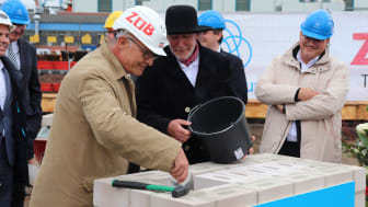 Stephan Keinath (Manager Technical/ZÜBLIN Subdivision Stuttgart) took part in the laying of the foundation stone as a representative of ZÜBLIN. (Copyright: thyssenkrupp Marine Systems GmbH)