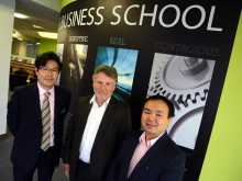 Mr Yi Meng, Sir Richard Heygate and Professor Yu Xiong