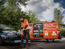 RAC's first EVRESCUE van charging a Renault Zoe
