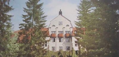 Fellingsbro Folkhögskola som brann ned till grunden 1976.