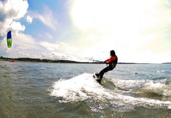 Kitesurfing Lerkil