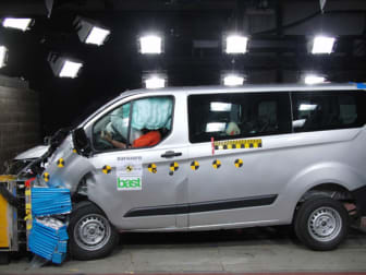 Nya Ford Transit- och Tourneo Custom når toppbetyg i EuroNCAP test av transportfordon - bild 1