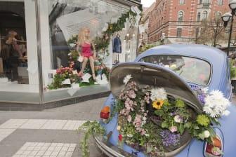 Blominstallation i bil