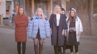 SKAM sesong 2 - f.v. Eva (Lisa Teige), Vilde (Ulrikke Falch), Noora (Josefine Frida Pettersen), Sana (Iman Meskini) og Chris (Ina Svenningsdal).