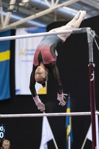 Jonna Adlerteg vann grenfinalen i barr, kvinnlig artistisk gymnastik