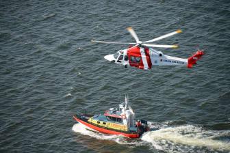 Räddningshelikopter och Sjöräddningssällskap