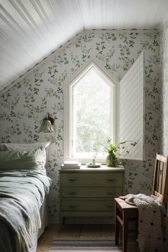 MidsummerEve_Image_Roomshot_Bedroom_Item_7680_PR